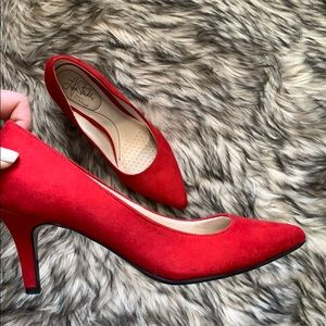 ❤️ BEAUTIFUL LIFE STRIDE KITTEN HEELS ❤️